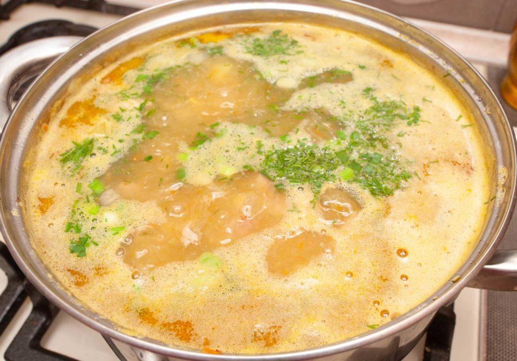 в готовый суп добавляю зелень