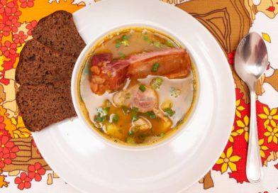 гороховый суп со свиной вырезкой и копчеными ребрышками