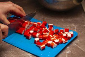Крабовые палочки для салата табуле
