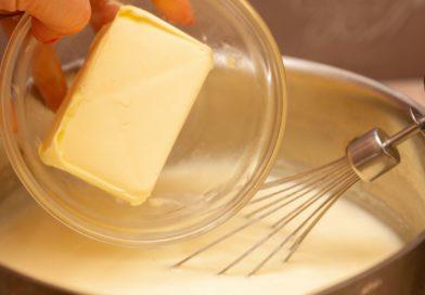 В крем добавляю масло