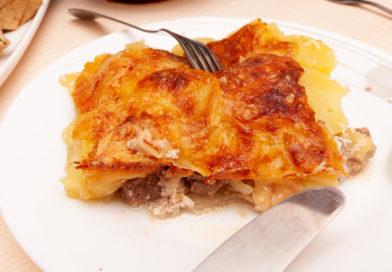 Картофель по-французски в духовке с говядиной и сыром