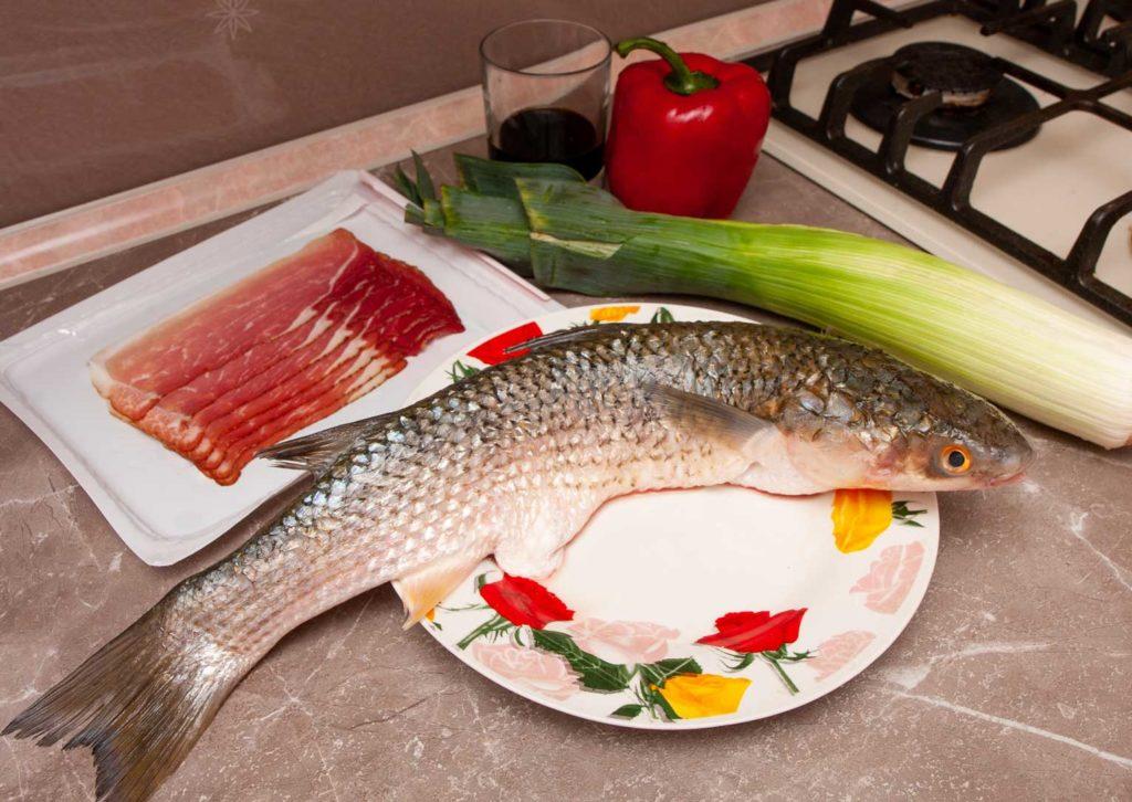 необходимые продукты для запеченного в духовке пеленгаса