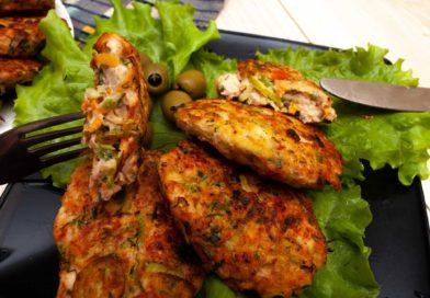 рубленые куриные котлеты с овощами