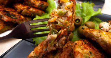 сочные и вкусные рубленные котлеты из курицы на вилке