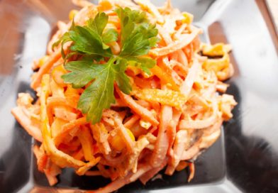 салат из ветчины и корейской моркови