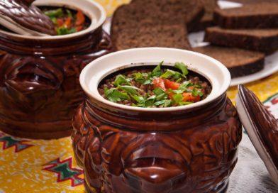 простой рецепт приготовления гречки с говядиной в горшочках