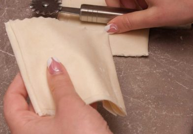 должны получится вот такие почти квадратики и выкладываю их в формочки