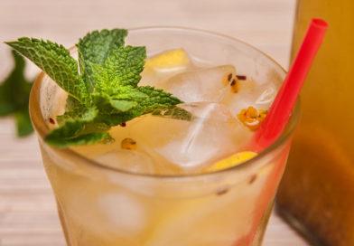 холодный и освежающий лимонад из облепихи, имбиря и мяты