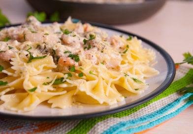 быстрый ужин из пасты с морепродуктами в сливочном соусе фото