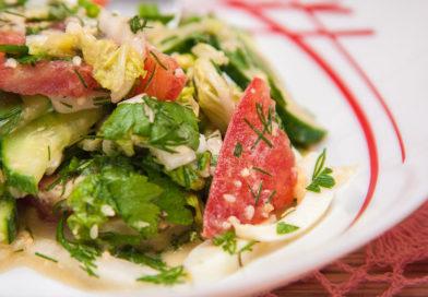 простой рецепт салата из пекинской капусты в кисло-сладко-остром соусе