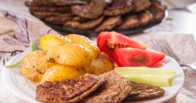невероятно нежные и вкусные печеночные оладушки с кабачками