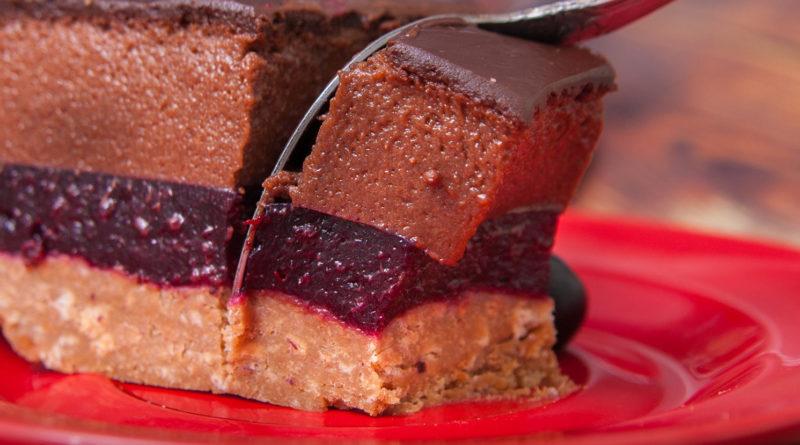 торт со смородиной и шоколадом без выпечки
