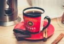 Кофе с корицей и бадьяном в чашке