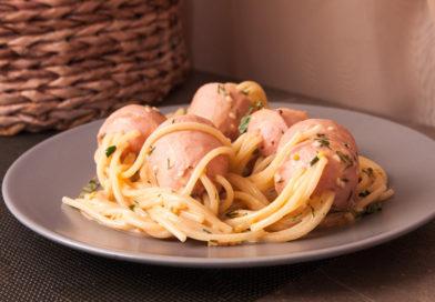 Спагетти с сосисками «Осьминожки» в соусе