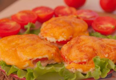простой рецепт куриного филе с помидорами и сыром в духовке