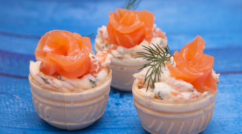 Тарталетки с лососем приготовленные в домашних условиях