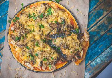простой рецепт приготовления пиццыс курицей и грибами в домашних условиях