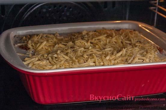 отправляю блюдо в разогретую до 200 градусов духовку до готовности