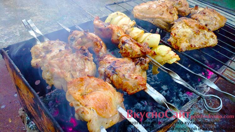 жарю шашлык из куриных бедрышек