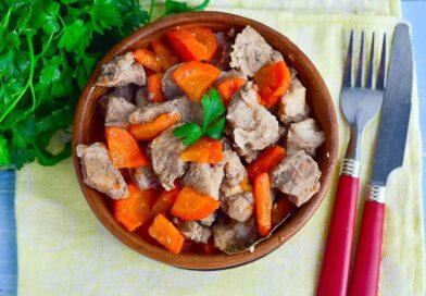 Простой рецепт свинины в банке в духовке