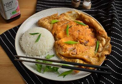 Кацудон, японская свиная отбивная с омлетом и рисом