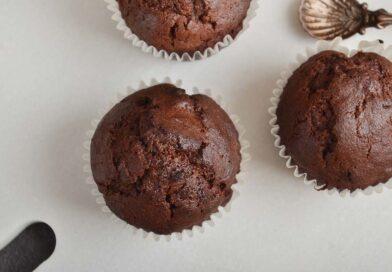 Простой рецепт шоколадно-банановых маффинов