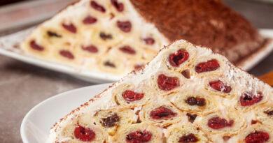 Торт Монастырская изба со сметанным кремом
