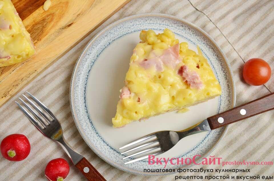 Запеканка из макарон в мультиварке с сыром и ветчиной
