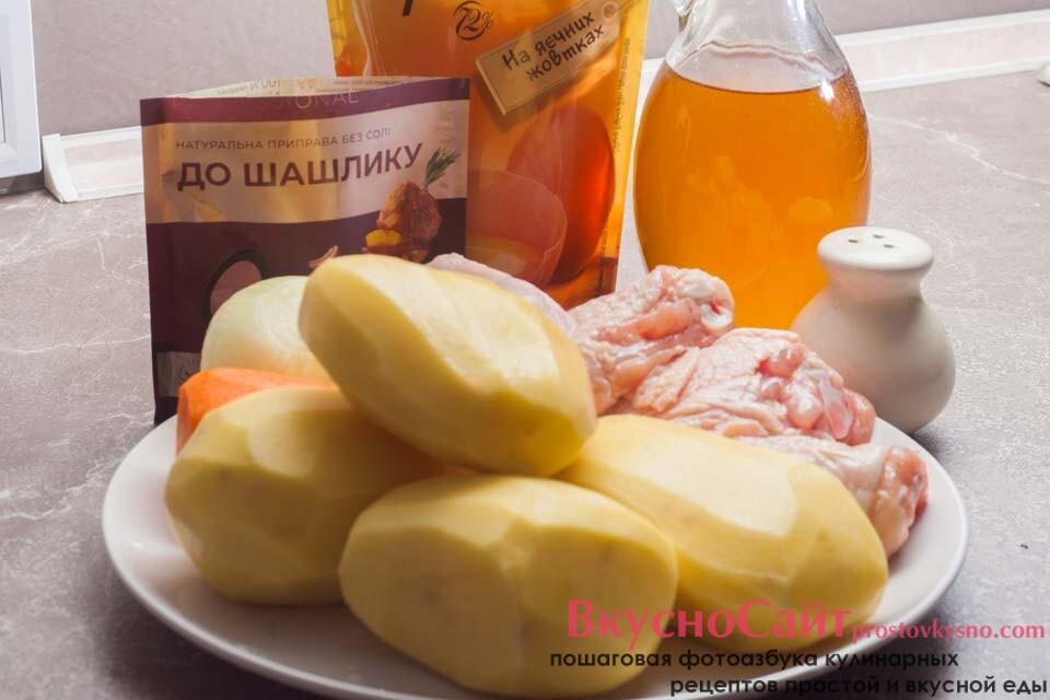 для приготовления картофеля с курицей в рукаве в духовке такие продукты