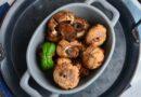 Шампиньоны на мангале в соевом соусе с чесноком