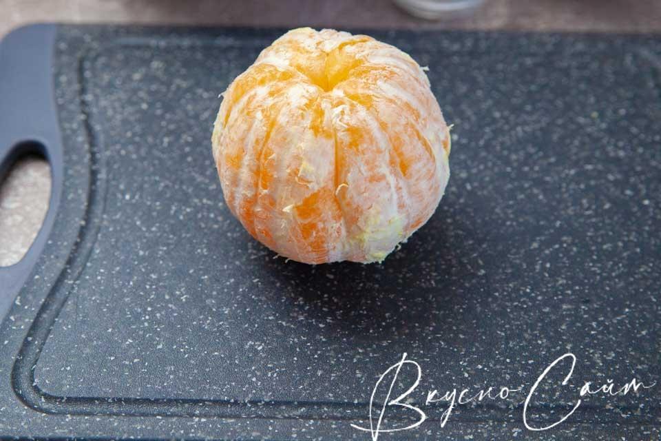 апельсин чищу от кожуры