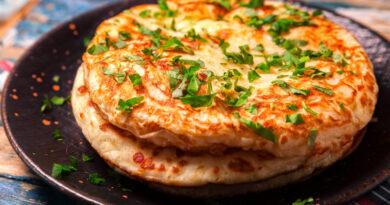 Ленивые хачапури на сковороде с сыром