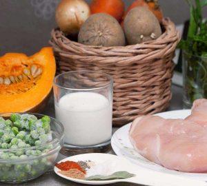 Тыквенный суп-пюре с курицей и сливками готовится из таких ингридиентов