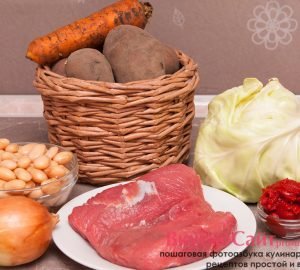 для мясного рагу мне необходимы: говядина, капуста, картофель, лук, морковь томатная паста, специи